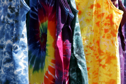 Shirts mit Tie-Dye-Optik